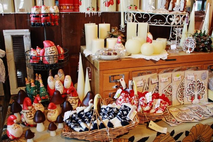 81コピサンタ木彫りバリクリスマスグッズ*鉄脚テーブル