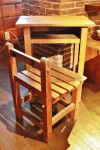 81木製の学校机とイスセット