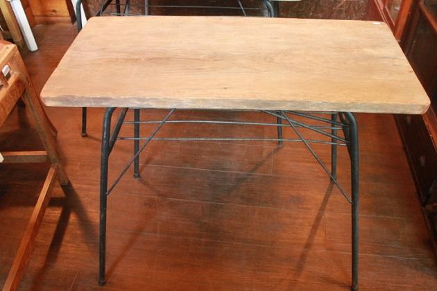 81鉄脚テーブル2