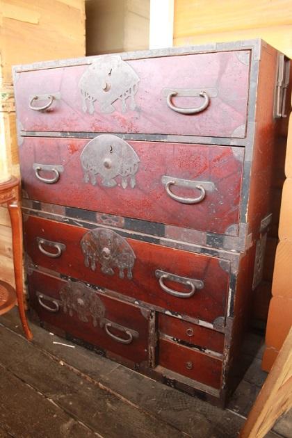 81 ガラクタ市 セール りんご箱 レトロな箪笥