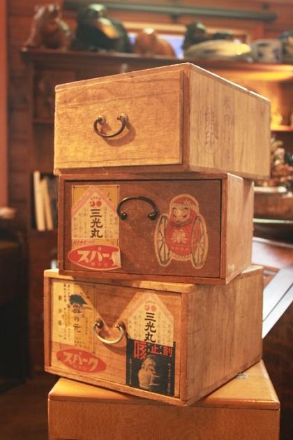 81 ガラクタ市 セール りんご箱 小引出し 薬箱 レトロ 昭和