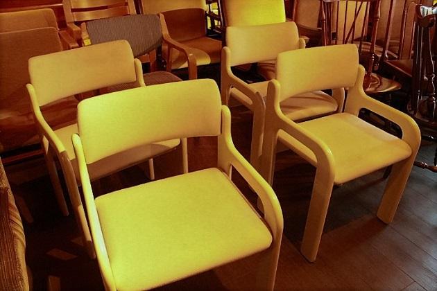 81 椅子 ダイニングチェア ホワイト 木製のフレーム