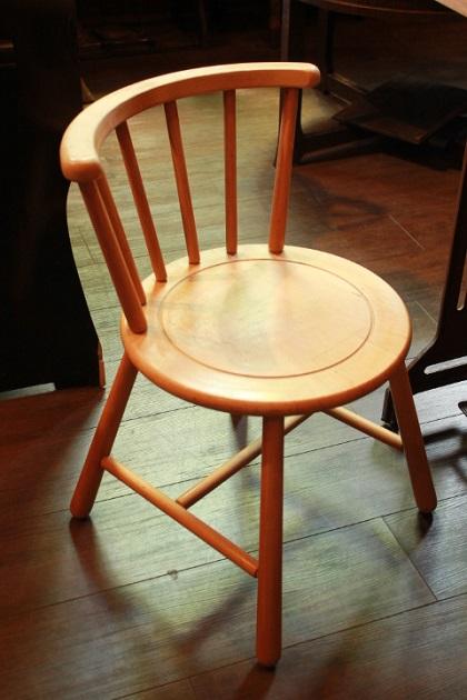 81 椅子 いす チェア