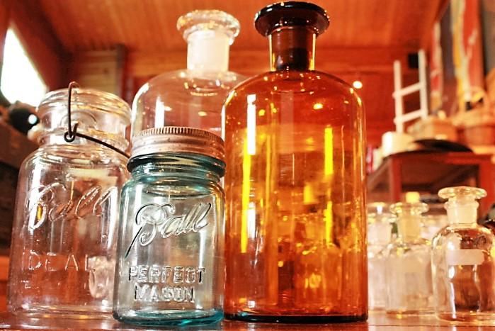 81 ファイヤーキング りんご箱 Ball社 メイソンジャー 薬瓶 ビンテージ 籐籠 かご 昭和レトロ 机