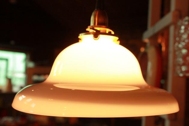 81 ペンダントライト インテリア照明 シェード ガラスシェード ミルクガラス ホワイト