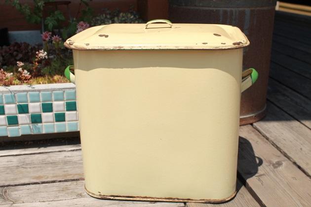 81 ホーロー製 ブレッド缶 アンティーク ビンテージのTIN缶