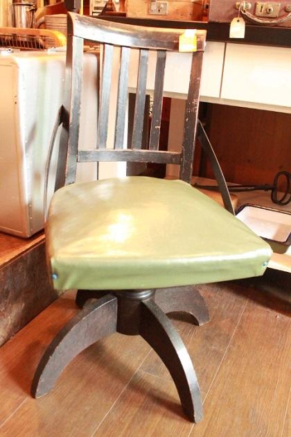 81 レトロ 回転椅子 ドクターチェア