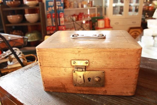 81木箱①