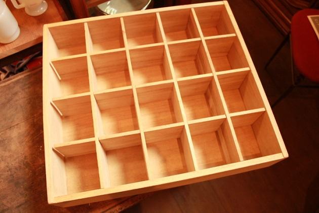 81仕切り付き木箱