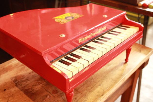 ベビーピアノ