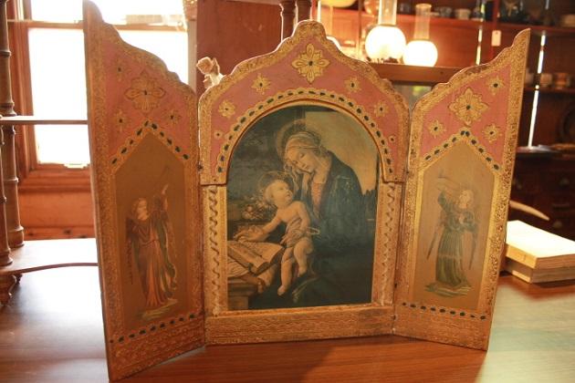 81聖マリアの祭壇画