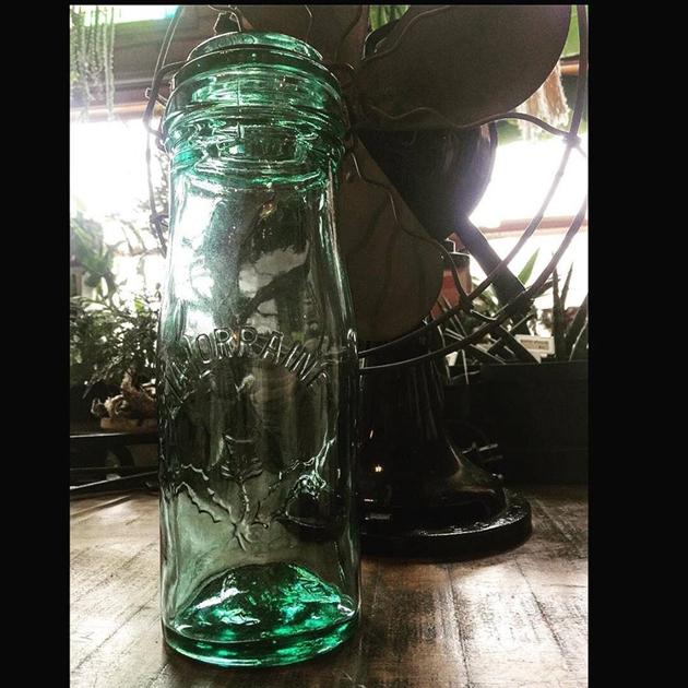 81アンティークボトル