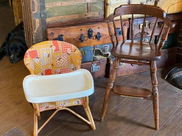 81赤ちゃんの椅子と子供用ハイチェア