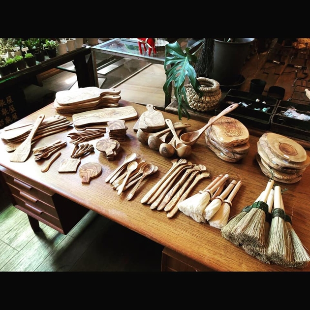 7/31オリーブの木のキッチンツール・古物いろいろ